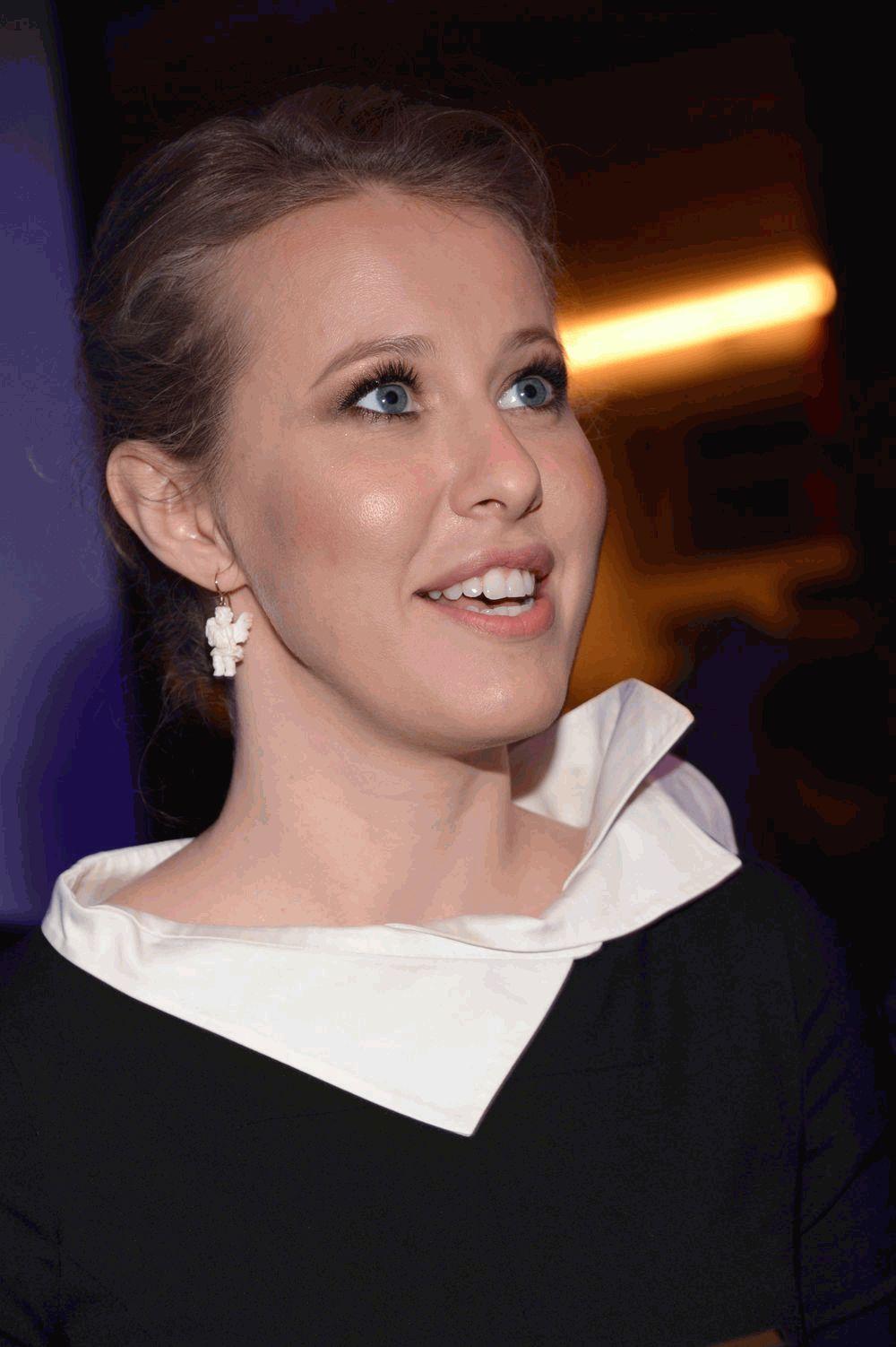 Ксения Собчак сияет 2013