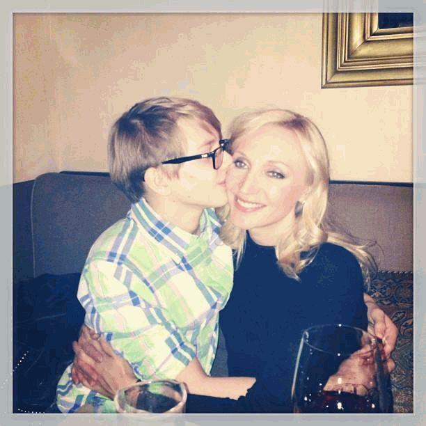 Кристина Орбакайте и Дени поцелуй