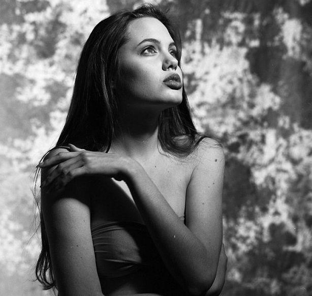 Анджелина Джоли 16 лет