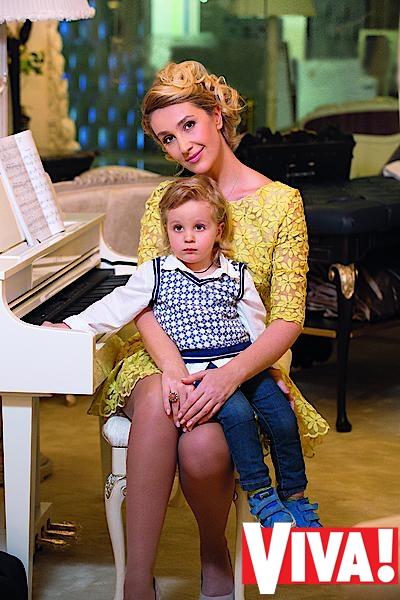 Снежана Егорова с детьми в фотосессии Viva!