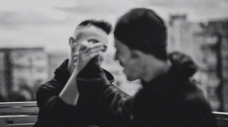 """SunSay и Артем Пивоваров презентовали совместное видео на песню """"Выдыхай"""""""