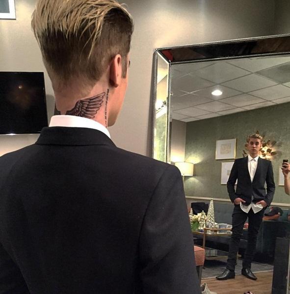 Джастин Бибер не может нарадоваться новой татуировке
