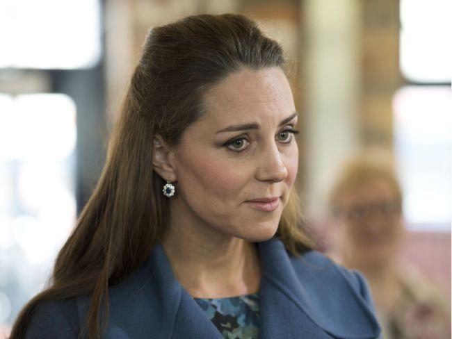 Непокорная герцогиня: королева Елизавета II заставляет Кейт Миддлтон появляться на публике