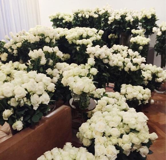 Миллион роз для Ким Кардашьян: Канье Уэст порадовал любимую сюрпризом