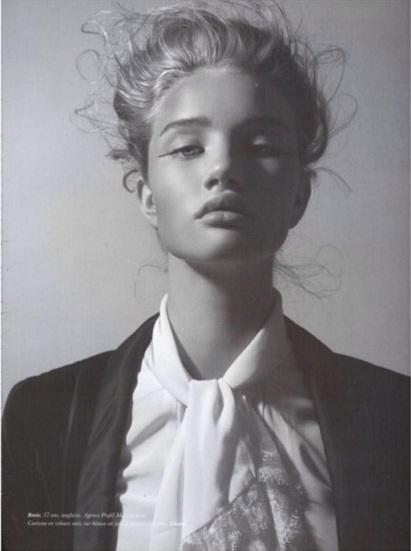 Роузи Хантингтон-Уайтли показал фото, с которого началась ее модельная карьера