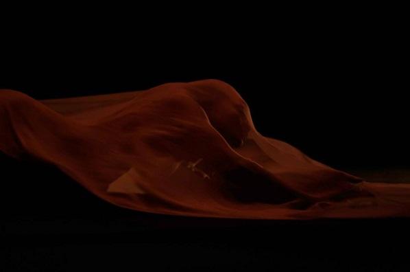 Фотофакт: Рианна обнажилась для нового клипа
