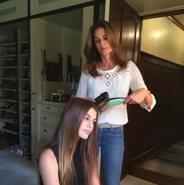 Кайя Гербер рассказала о модельных секретах, полученных от мамы Синди Кроуфорд