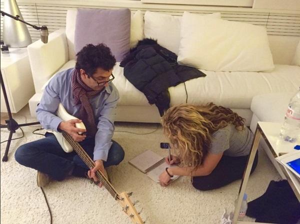 Творческое закулисье: Шакира показала, как создает новые музыкальные шедевры