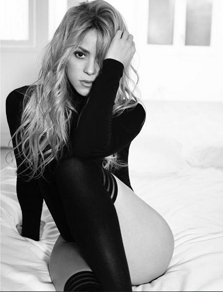 Впервые после родов Шакира позирует в нижнем белье