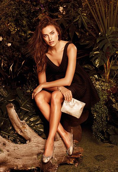 Неожиданный образ: чувственная Ирина Шейк снялась в новой рекламной кампании