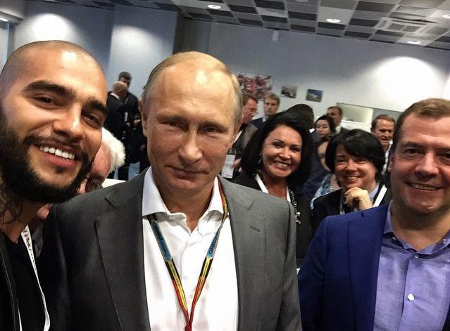 Тимати опубликовал селфи с Путиным и Виктором Медведчуком