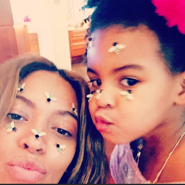 Семейные радости: Бейонсе показала как дурачится со своей маленькой дочерью