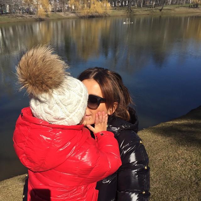 Не для прессы: Ани Лорак рассказала, почему скрывает свою дочь