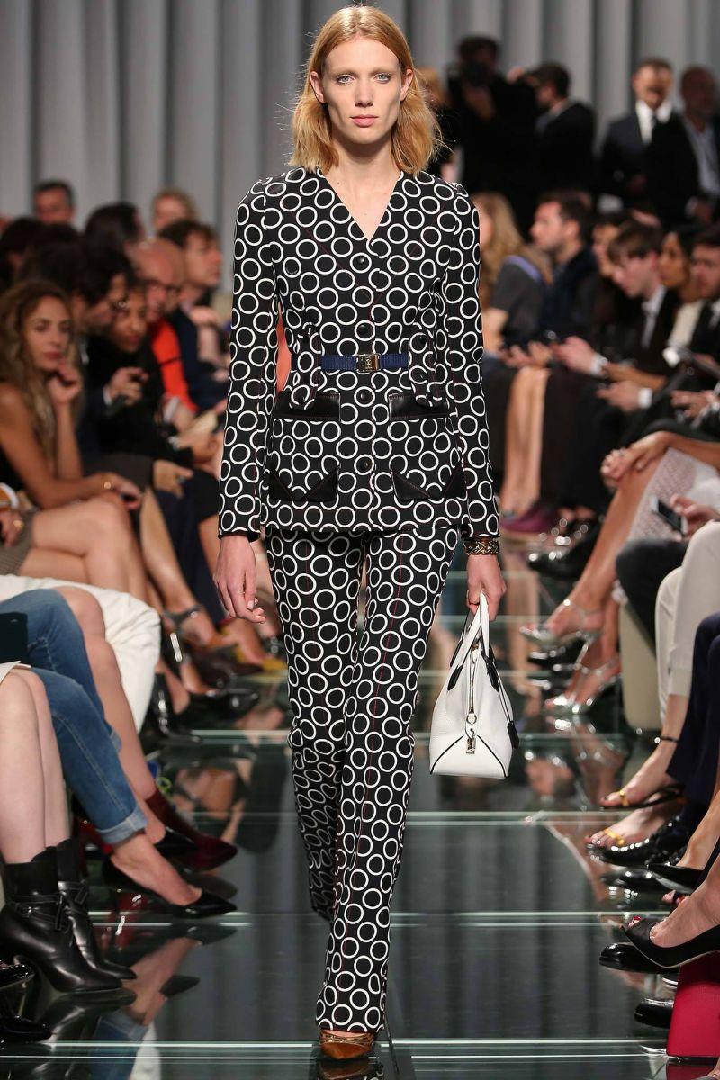 наряд от Louis Vuitton