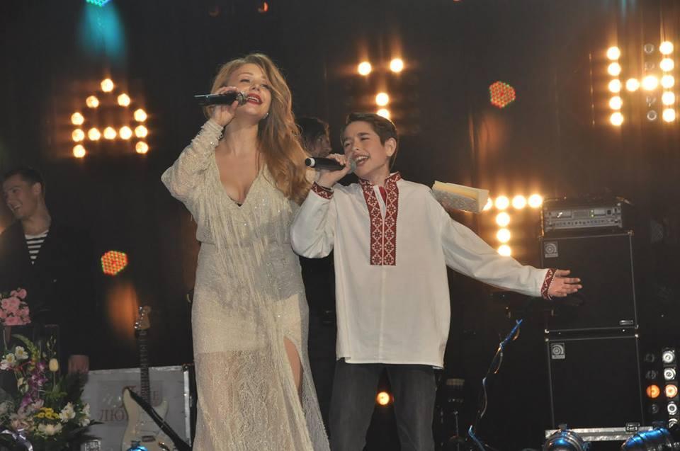 Тина Кароль выступила с сольными концертами во Львове