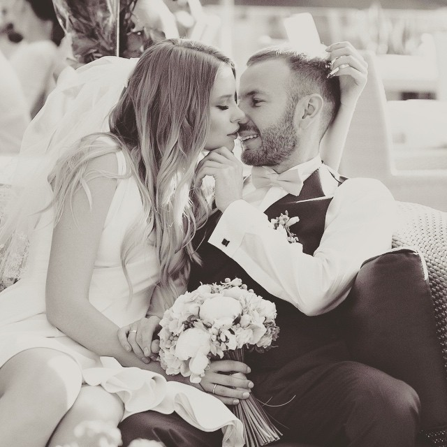 Сын Таисии Повалий показал свои свадебные снимки