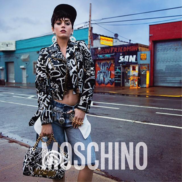Кэти Перри разделась в рекламе Moschino