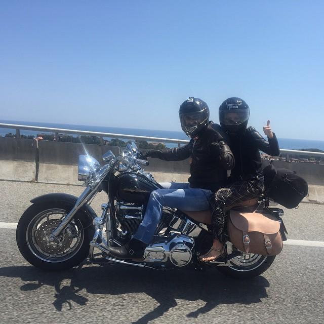 Безумные выходные: Шакира и Жерар Пике путешествуют на мотоцикле