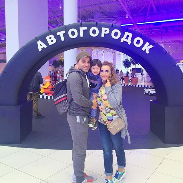 По-семейному: Анфиса Чехова показала, как провела выходные
