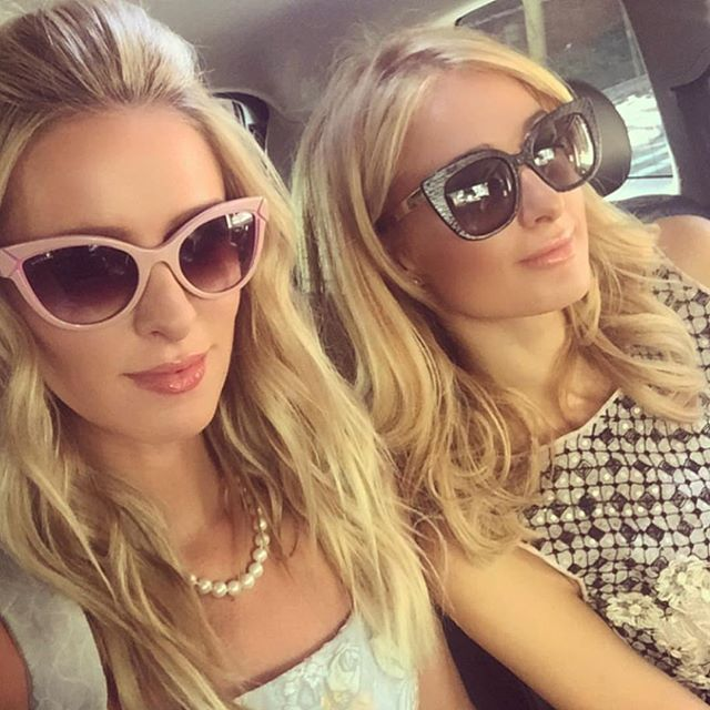 Пэрис Холтон с сестрой Ники