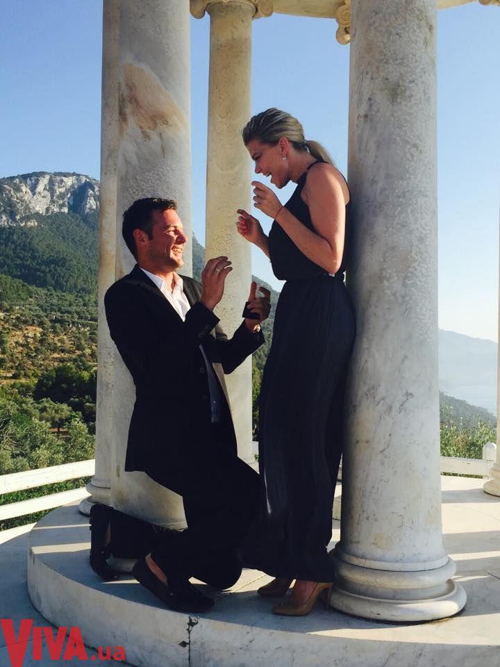 Ириша Блохина получила от мужа обручальное кольцо на Майорке