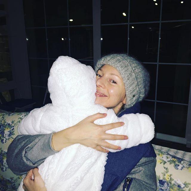 Молодая мама Наталья Подольская поделилась умилительным снимком с сыном