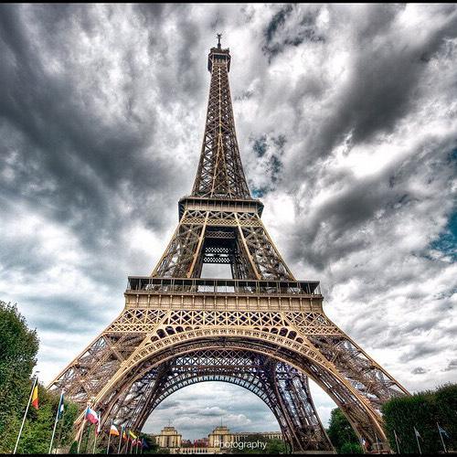 Украинские и российские знаменитости прокомментировали теракт в Париже