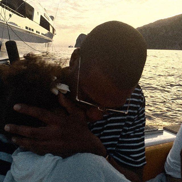 Каникулы продолжаются: Бейонсе поделилась новыми фотографиями с отдыха