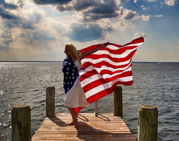 Звезды на День независимости США