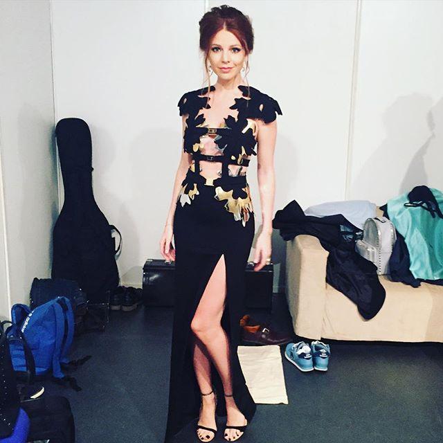 Молодая мама Наталья Подольская блистает в сексуальном платье на