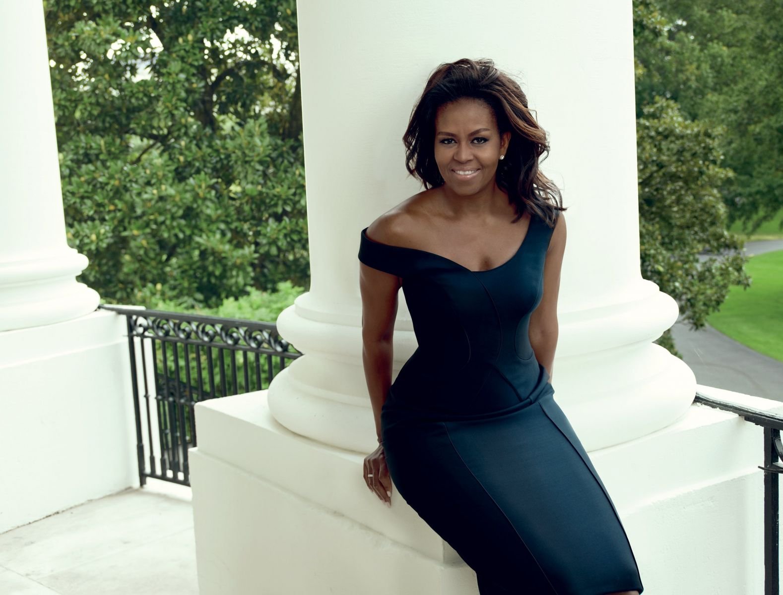 Элегантная Мишель Обама восхищает красотой на обложке Vogue