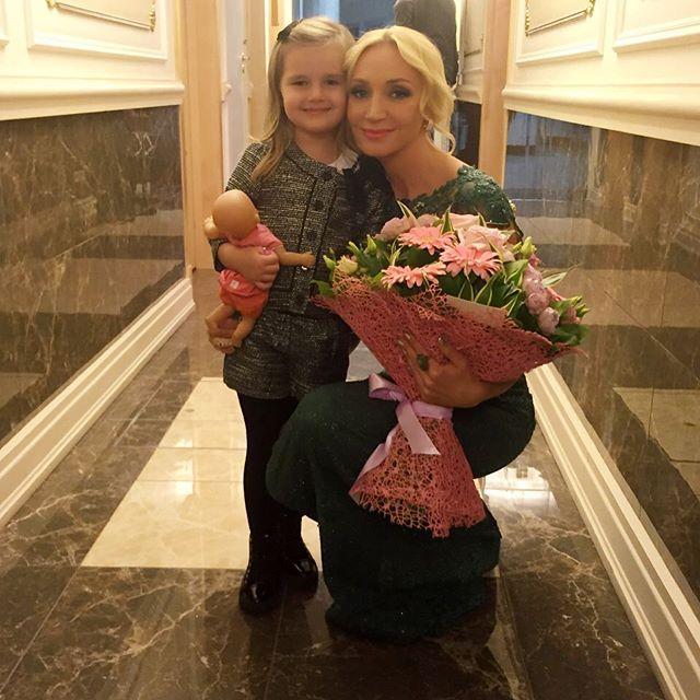 Редкое фото: Кристина Орбакайте показала повзрослевшую дочь