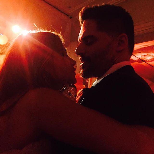 Звездная свадьба: София Вергара вышла замуж за Джо Манганьелло