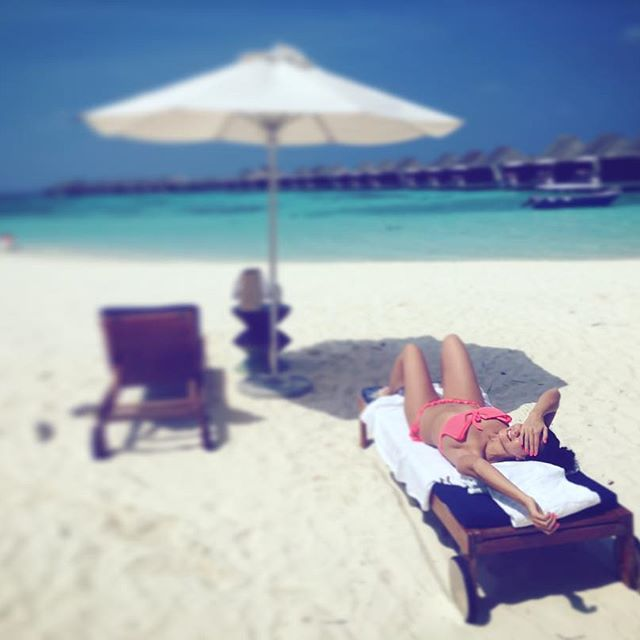 Настя Каменских отдыхает на Мальдивах