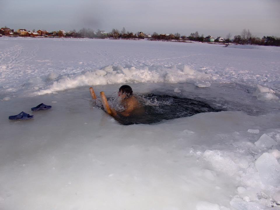 Ольга Сумская с мужем искупались в ледяной воде