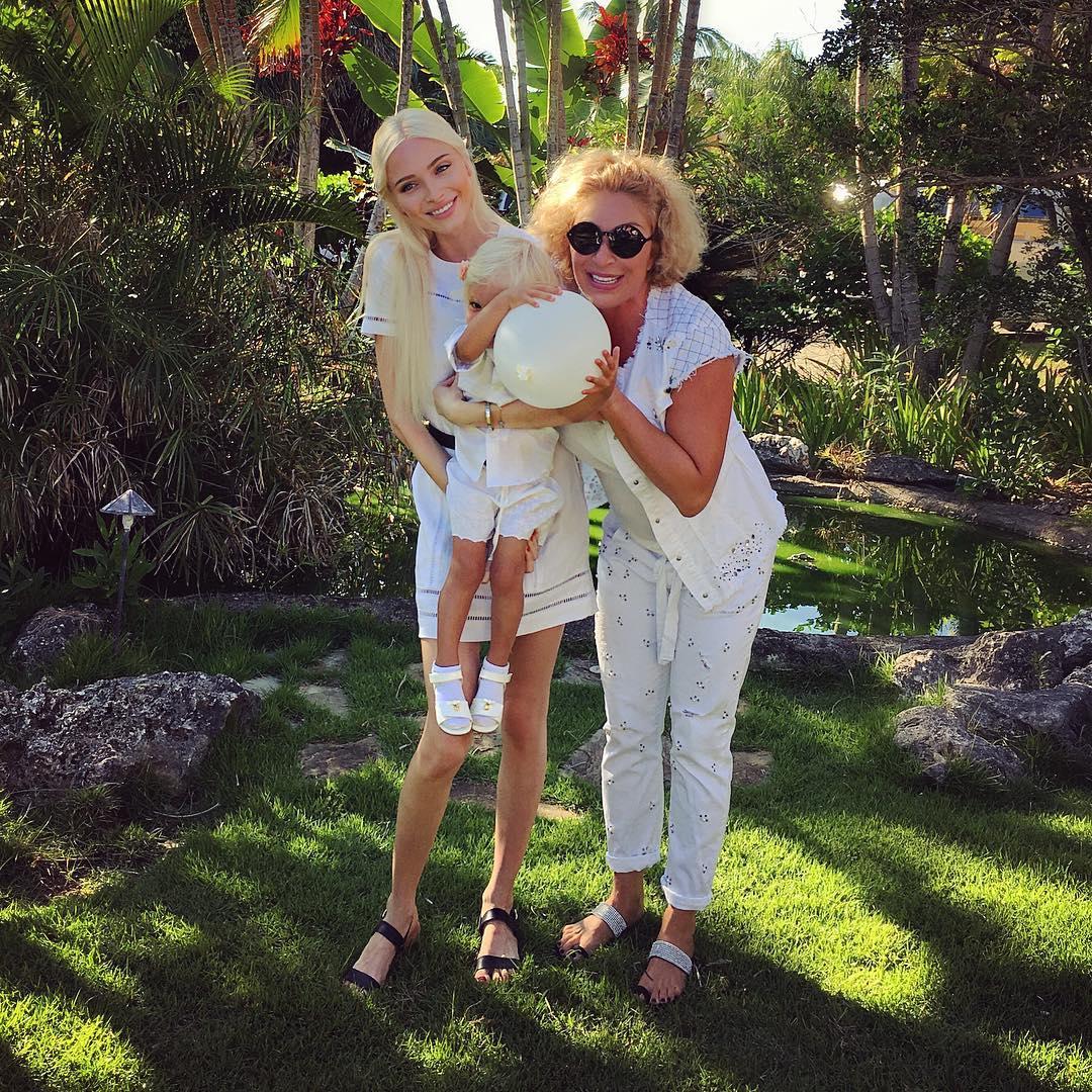 Тимати и его экс-супруга Алена Шишкова вместе отметили день рождения дочери
