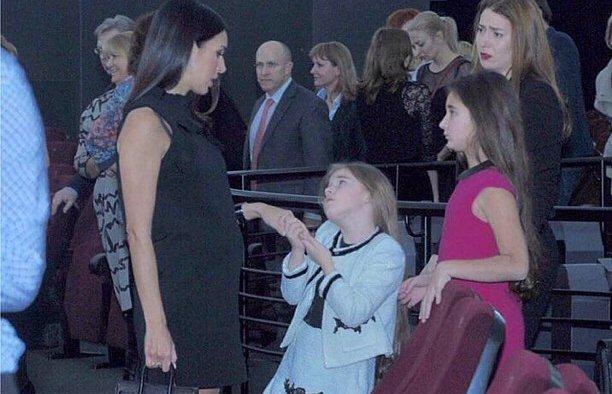 Певица Алсу беременна третьим ребенком?