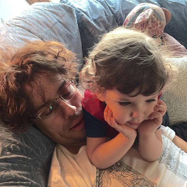 Алла Пугачева поделилась трогательным семейным фото детей и мужа