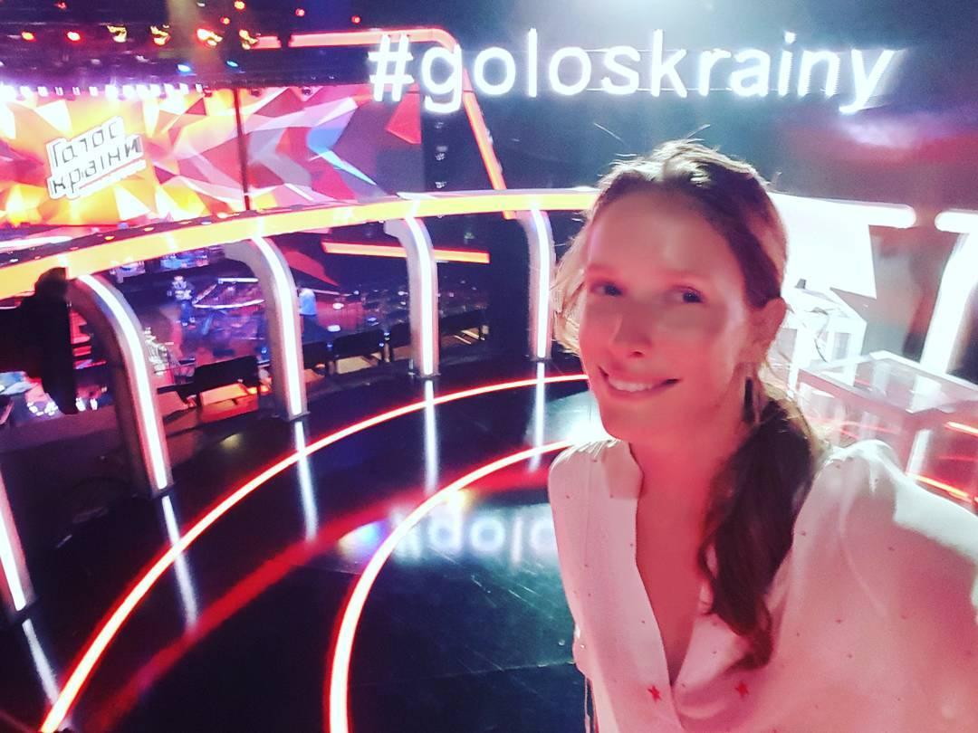 Катя Осадчая на шоу Голос країни-6