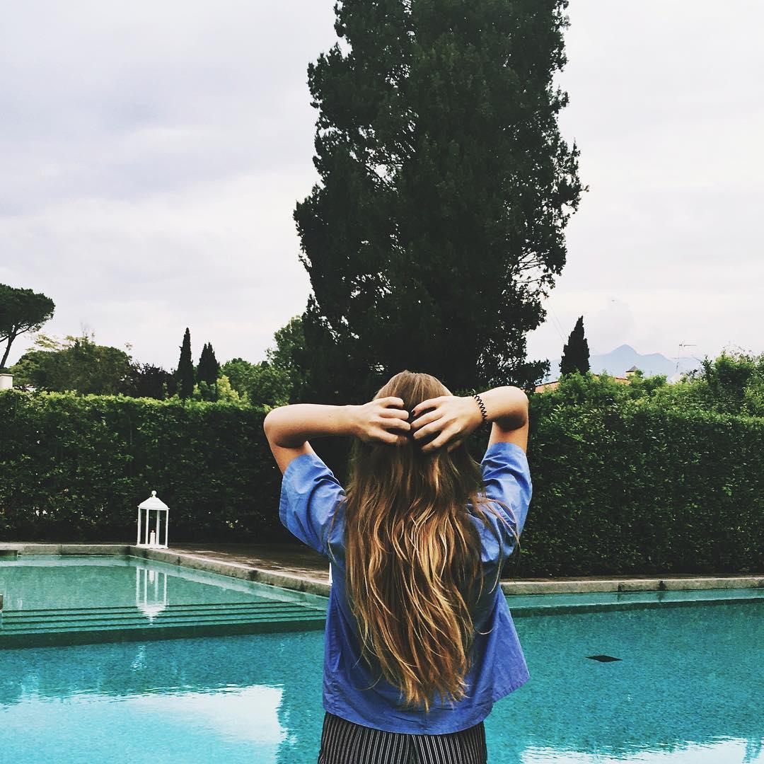 15-летняя дочь Веры Брежневой поделилась снимками в купальнике