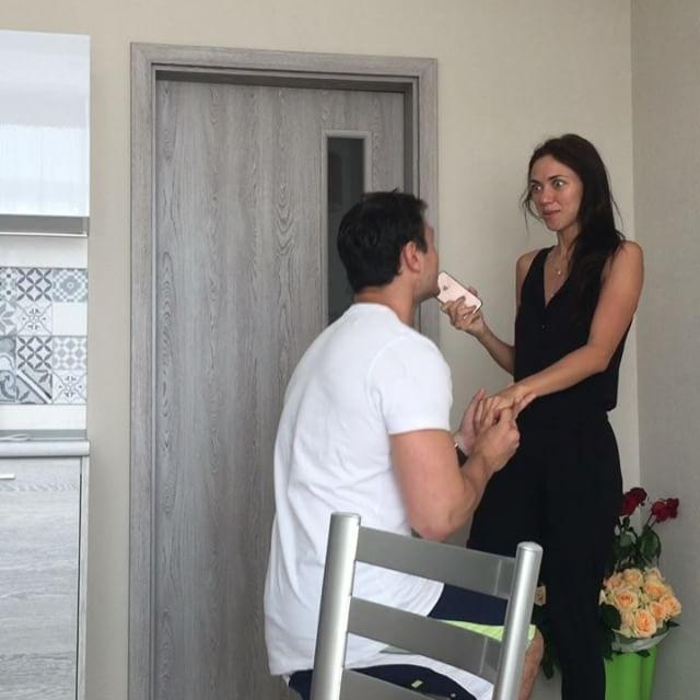 Свадьбе быть: возлюбленный Вики из «Неангелов» сделал ей предложение