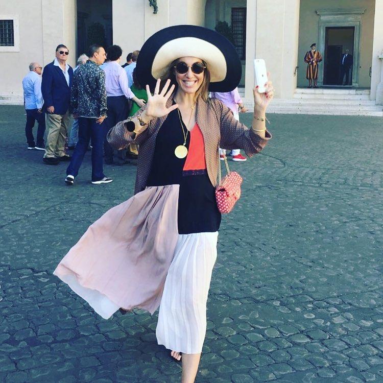 СМИ: Ксения Собчак родит уже в октябре этого года