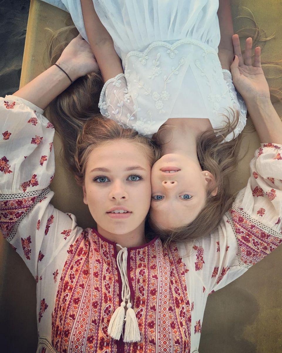 Вера Брежнева поделилась трогательным снимком своих дочерей