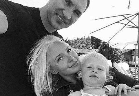 Хайден Панеттьери опубликовала фото с Владимиром Кличко и их подросшей дочкой