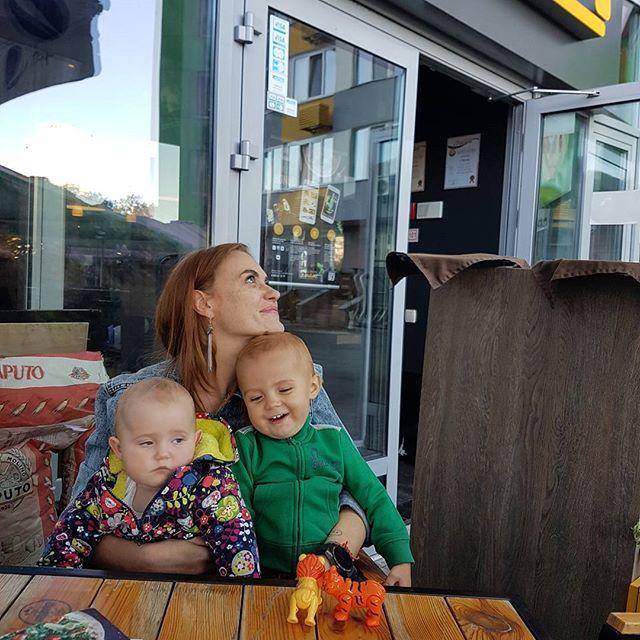 Крупным планом: солистка «Неангелов» показала вблизи своих детей