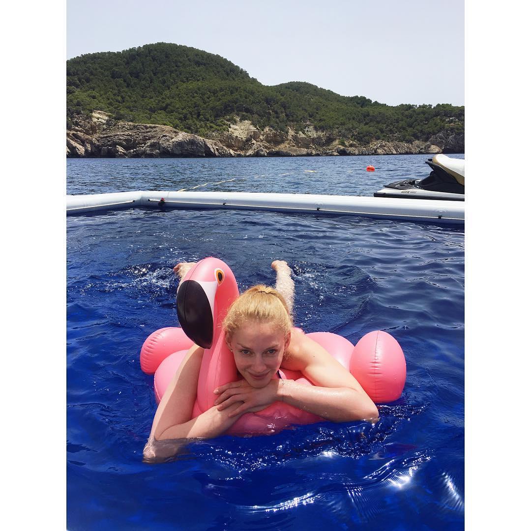 Светлана Ходченкова наслаждается отдыхом в Испании