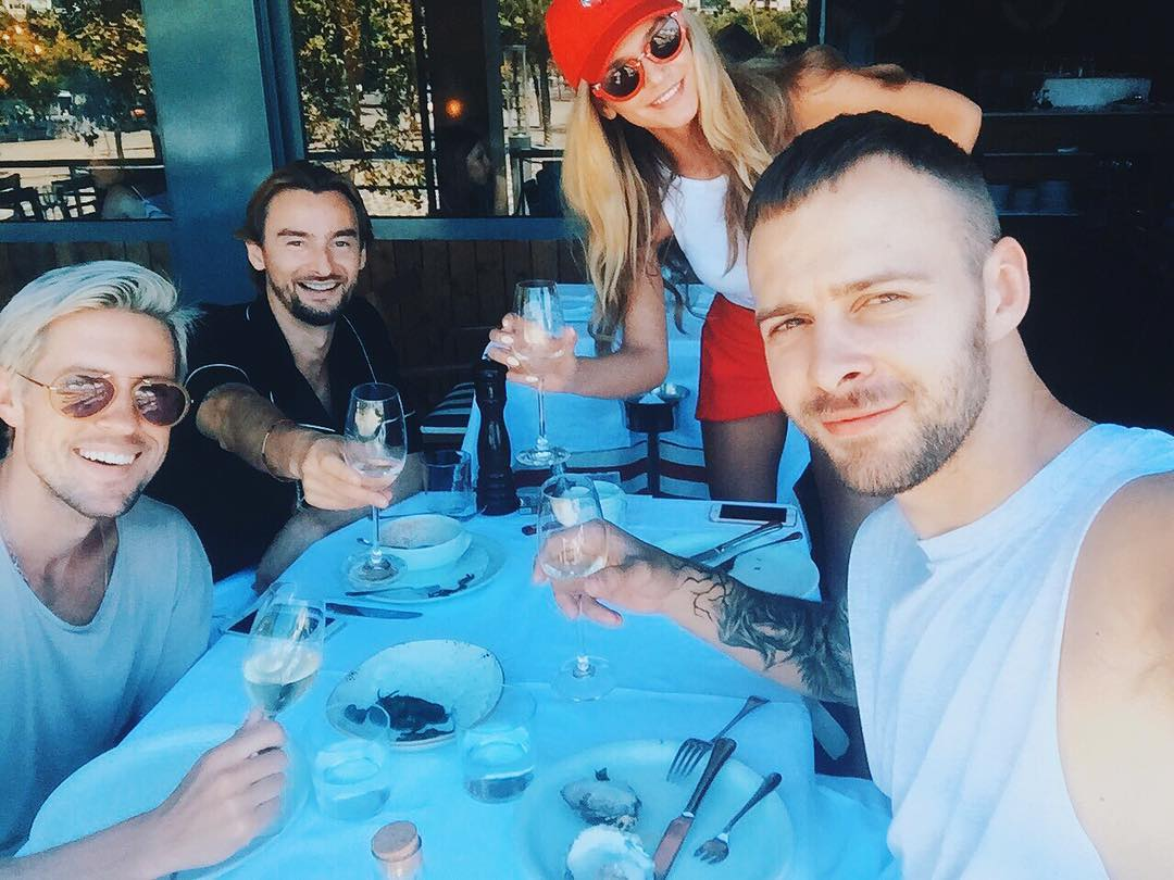 """Солистка """"Виа Гры"""" Миша Романова празднует свой день рождения с бывшим парнем"""