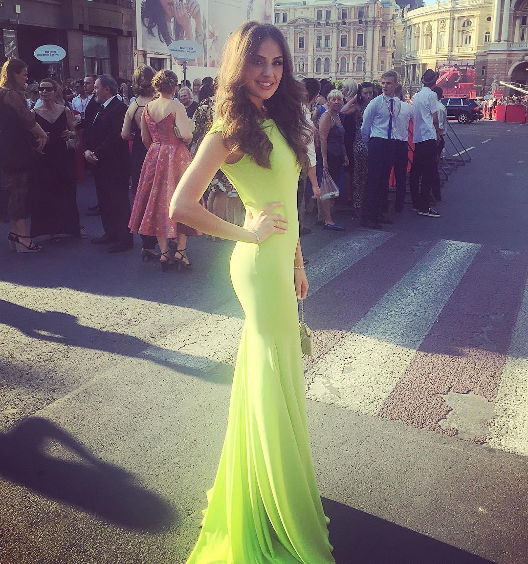 Иракли Макацария и победительница шоу «Холостяк-6» Алена Лесык впервые вместе вышли на красную дорожку