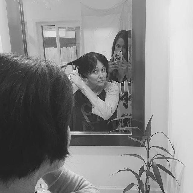 Онкобольная Шэннен Доэрти осталась без волос