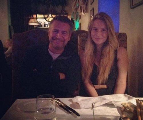 Леонид Агутин трогательно поздравил дочь с 20-летием